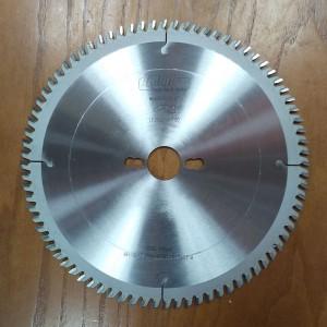 Пила торцювальна з тонким пропилом D250 2,5x1,8x30 PH2 Z80 A LF2502530F80